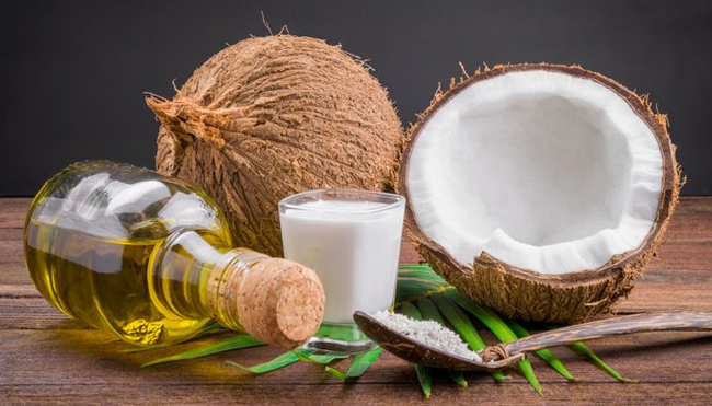 The Dangers of Coconut Oil for the Skin
